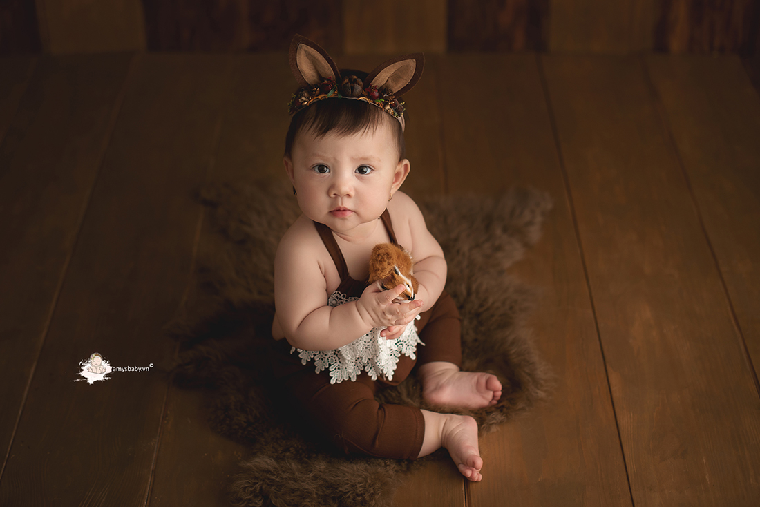 bé 8 tháng