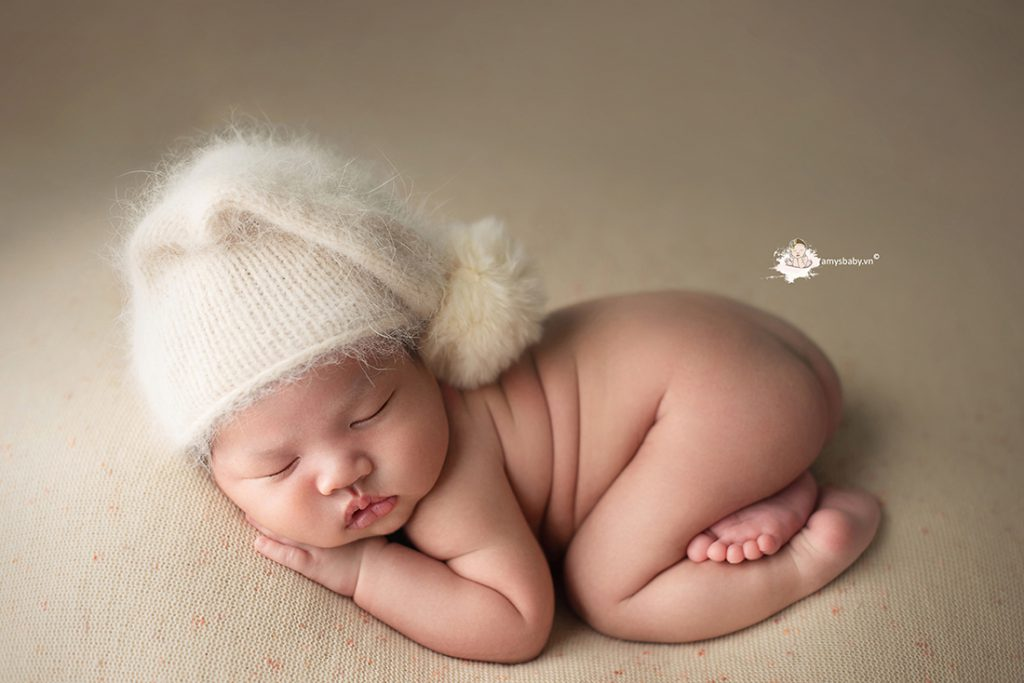 bé sơ sinh